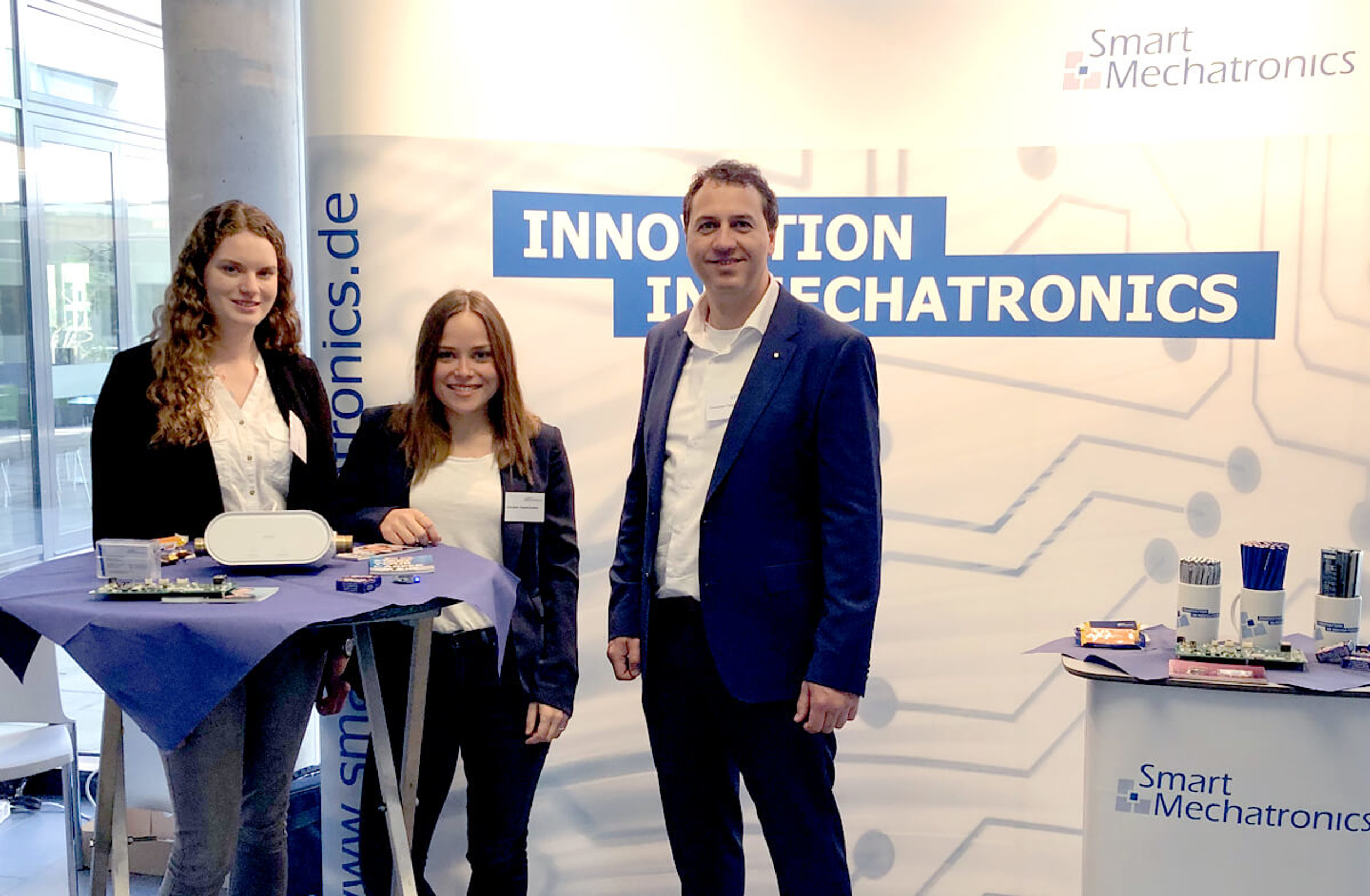 Karrieretag der WH in Gelsenkirchen: Smart mit Messestand vor Ort